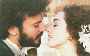 Pedro da Maia (Leonardo Vieira) e Maria Monforte (Simone Spoladore) (Foto: CEDOC/TV Globo)