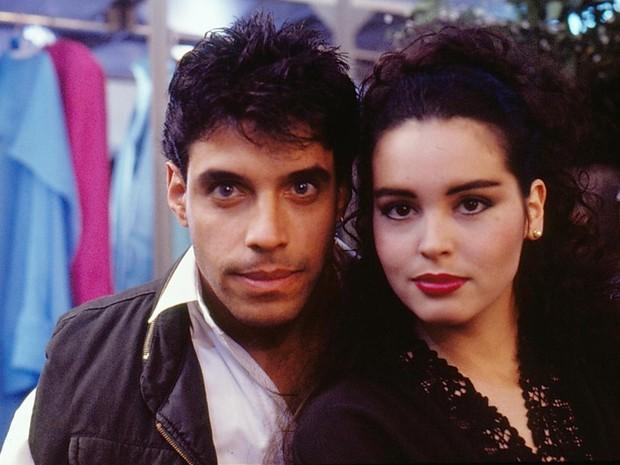 Raul (Alexandre Frota) e Carla (Suzy Rêgo) (Foto: TV Globo)