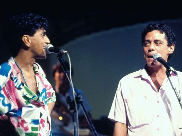 Caetano e Chico no palco (Foto: CEDOC/ TV GLOBO)