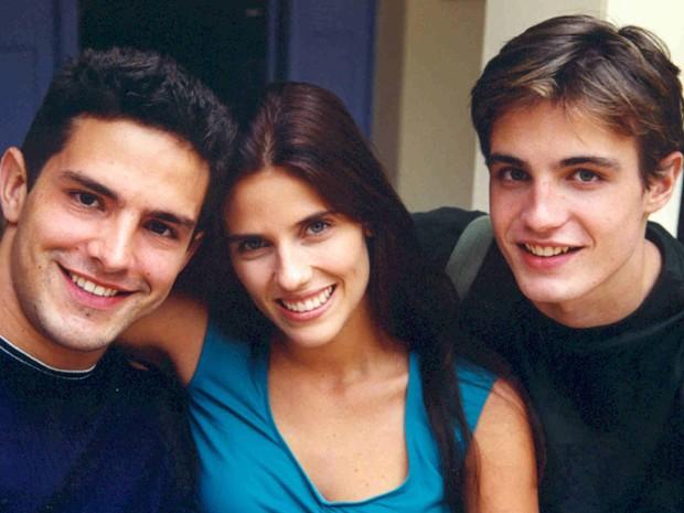 Gui (Iran Malfitano), Nanda (Rafaela Mandelli) e Léo (Max Fercondini)  (Foto: CEDOC/TV Globo)