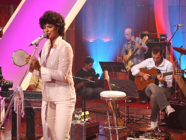 Simone interpreta canções do mestre Gonzaguinha (Foto: TV Globo)