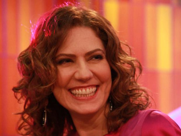 Patrícia Pillar apresenta o Som Brasil em homenagem a Gonzaguinha (Foto: TV Globo)
