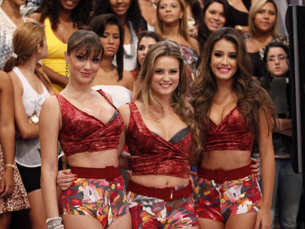 As coleguinhas Khrisley, Lauren e Geórgia posam para foto (Foto: Caldeirão/TV Globo)