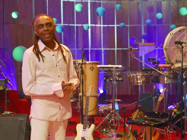 Gilberto Gil canta no Som Brasil (Foto: TV Globo)