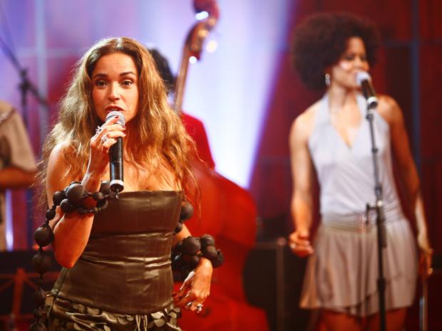 Daniela Mercury canta no 'Som Brasil' (Foto: Fabrício Mota / TV Globo)