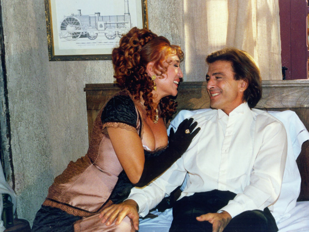 Suzette (Susana Vieira) e João (Carlos Alberto Riccelli) (Foto: CEDOC/ TV GLOBO)