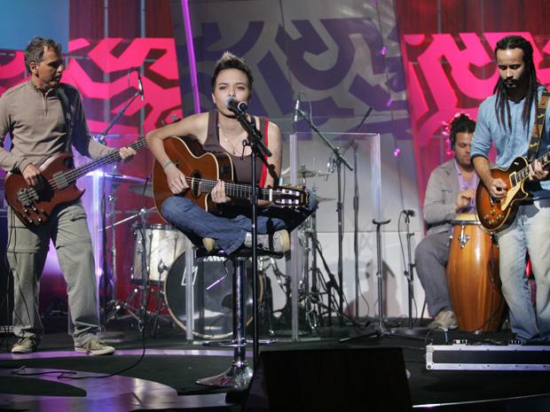 Maria Gadu canta sucessos de Os Paralamas do Sucesso (Foto: Eduardo Naddar / TV Globo)