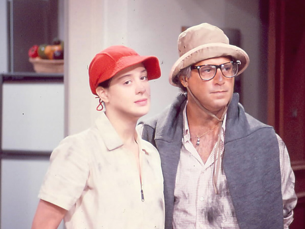 Adriana Ross (Claudia Raia) e Caio Szimanski (Antonio Fagundes) (Foto: reprodução / TV Globo)