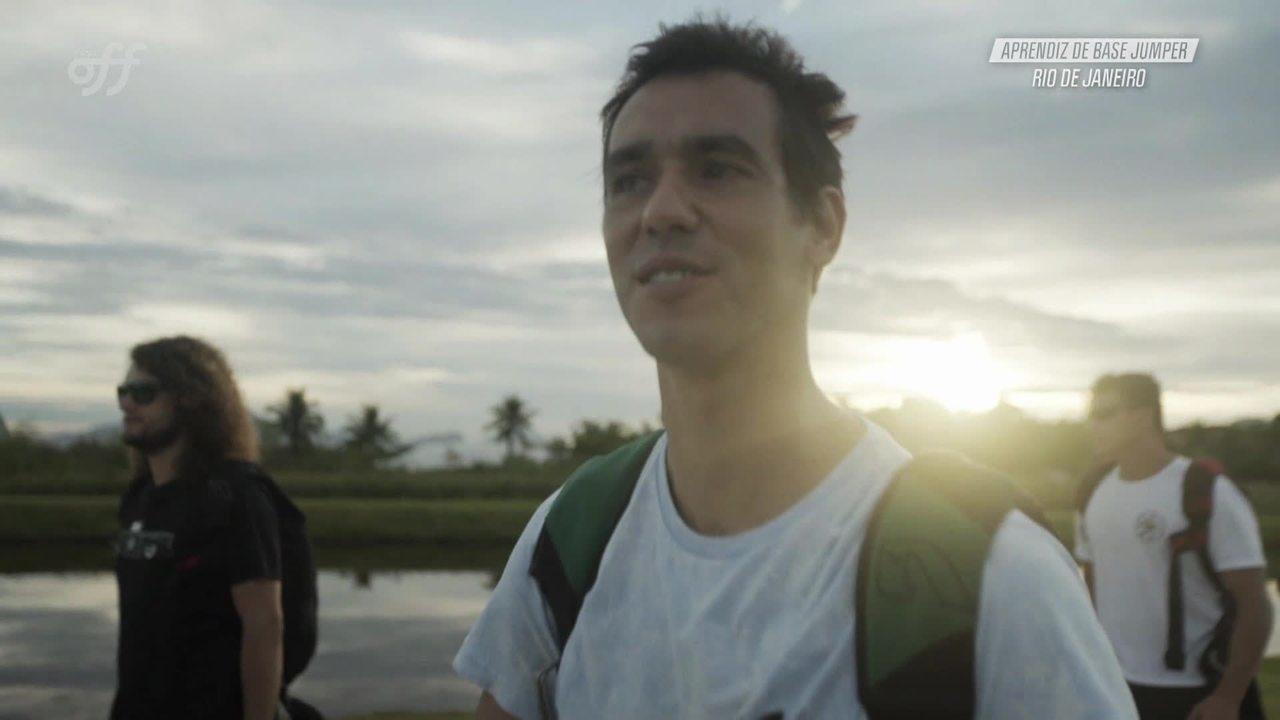 Gustavo Areias e Marcos Sifu saltam da Pedra do Cabrito - Aprendiz ...