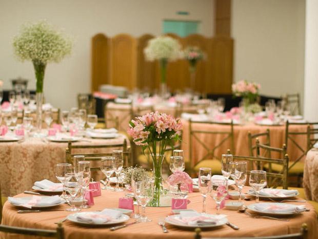 decoracao branco e salmao:Decora??o de casamento em marrom e rosa ...