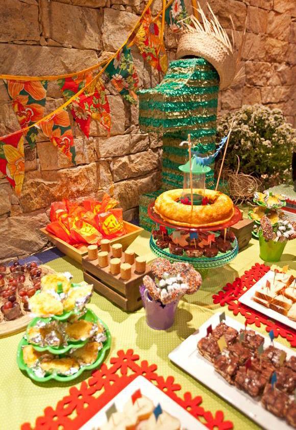 decoracao festa na roca:Festa julina é tema de aniversário infantil: veja dicas de