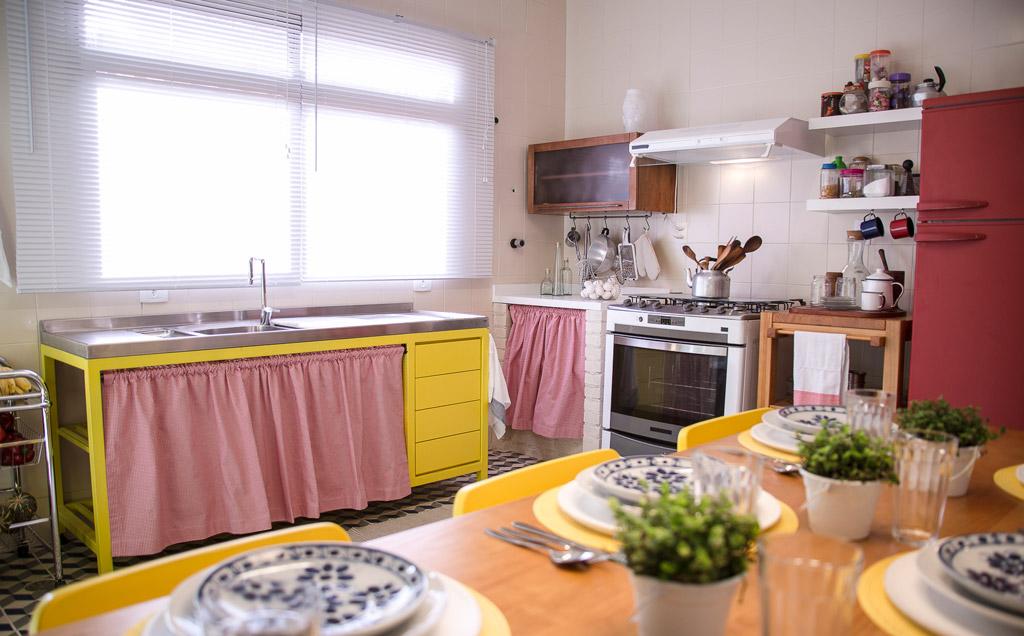 Marcelo Rosenbaum mistura cores e texturas na decoração da cozinha  Casa  GNT # Decorar Cozinha Gnt