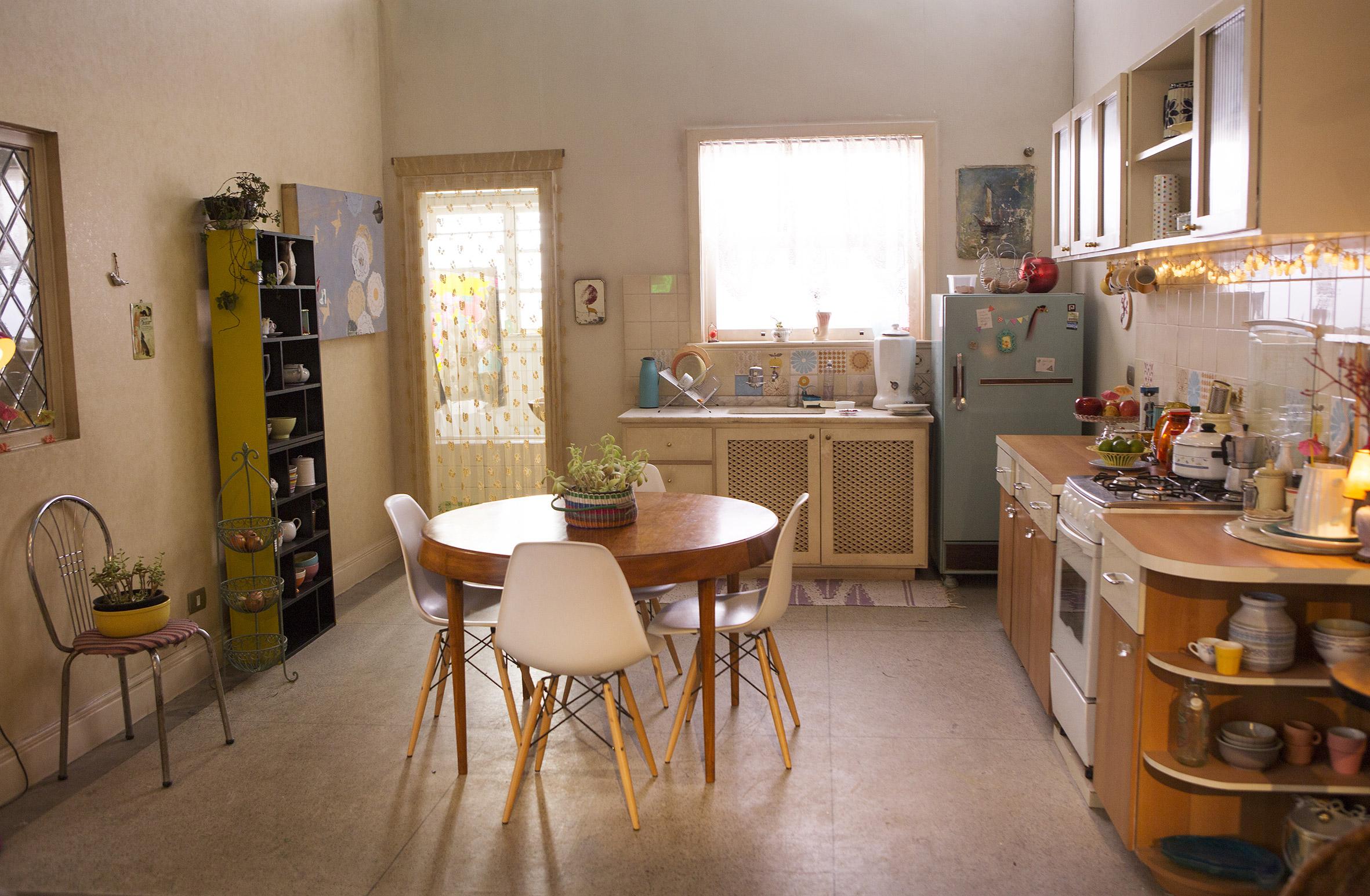 Decoração retrô segue em alta e deixa a cozinha ainda mais charmosa  #996632 2362 1545