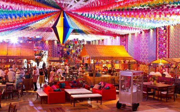 Decoraç u00e3o de festa junina veja fotos e inspire se! Blogs convidados Especiais GNT -> Decoração De São João Com Papel Crepom