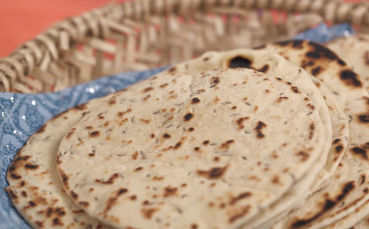 #90683B Aprenda a fazer pão indiano Cozinha Prática Programas GNT 1242x770 px Projeto Cozinha Rita Lobo #2687 imagens