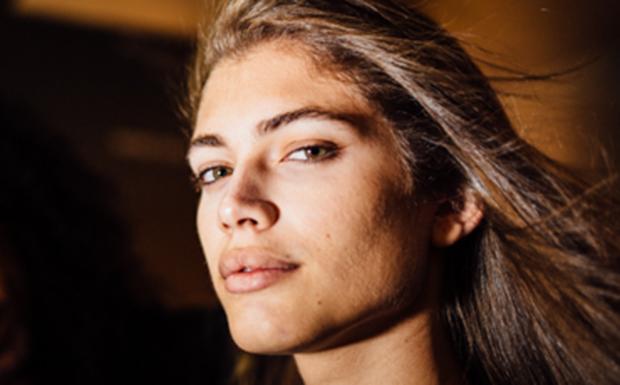 33d25083f Valentina Sampaio, modelo trans, acredita que moda transforma: 'Instrumento  para derrubar barreiras' - Moda e Beleza - GNT