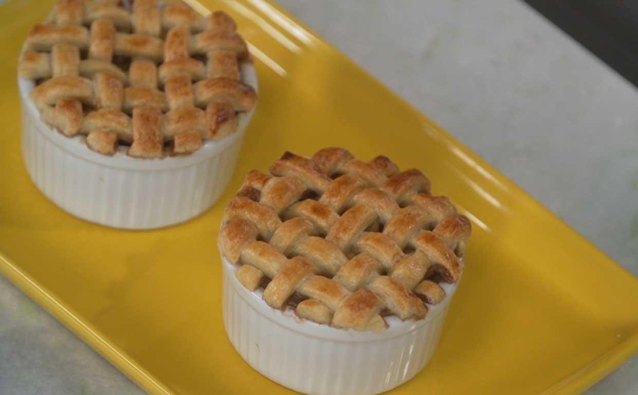 Como fazer tortinhas de maçã Fazendo a Festa Programas GNT #A68025 1242 770